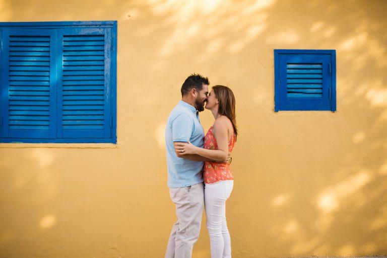 vestirse los novios en la misma casa — fotógrafos de boda en valencia